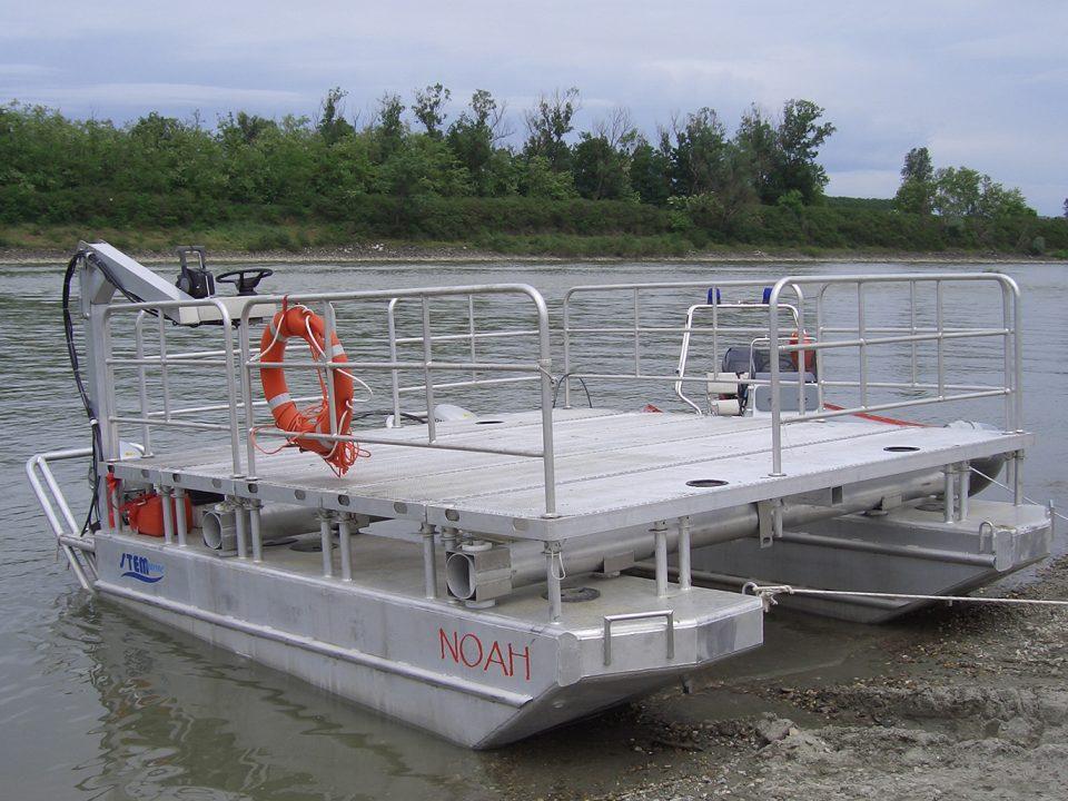 Catamarano per soccorso Noah